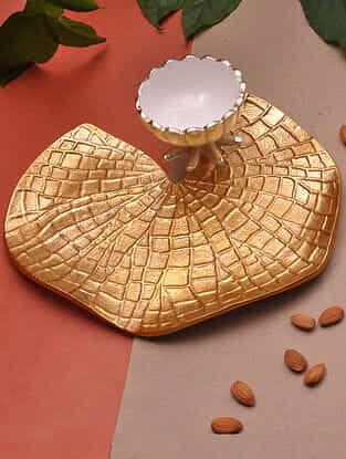 Gold Lotus Leaf T-light Platter (Dia - 10in)