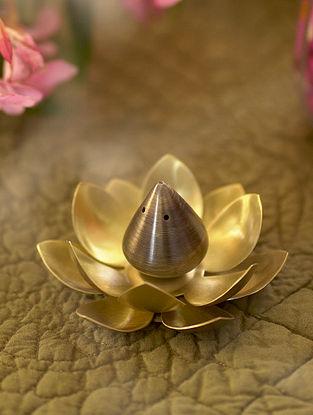 Antique Gold Suneheri Brass Incense Holder (Dia- 3.5in ,H- 1.75in)