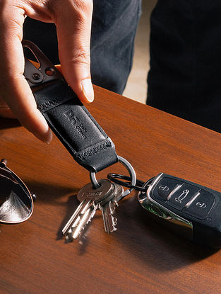 Black Handcrafted Leather Keychain Clip
