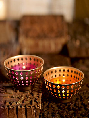 Antique Gold Raaslila Metal Table Tealight Holder (Set of 2) (Dia- 3.9in ,H- 3.1in)