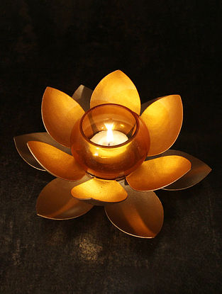 Gold Kamalam Table Tealight (Dia-6.6in, H-1.7in)