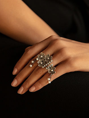 Tribal Silver Ring with Fresh Water Pearls