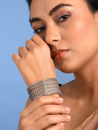 Tribal Silver Cuff (Size: 2/5)
