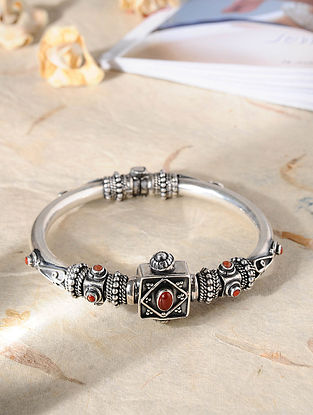 Red Tribal Silver Bangle (Size: 2/8)