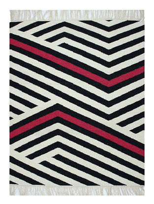 Black-Multicolor Handwoven Wool Rug (60in x 48in)