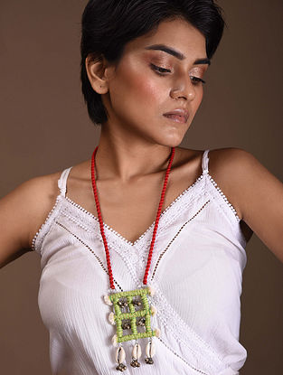 Green Red Silver Tone Handcrafted Fabric Necklace With Shells