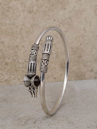 Maroon Tribal Silver Bangle (Size: 2/6)