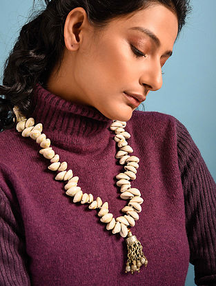 Cream Silver Tone Handcrafted Necklace With Cowrie Shells