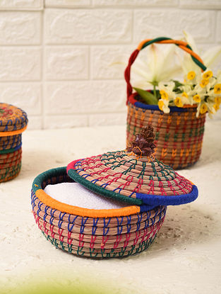Multicolored Handcrafted Pine Needle Grass Storage Basket With Lid (L - 6.5in, W - 6.5in, H - 7in)
