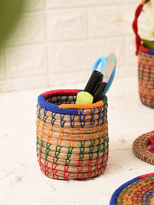 Multicolored Handcrafted Pine Needle Grass Pen Stand (L - 3.5in, W - 3.5in, H - 4.1in)