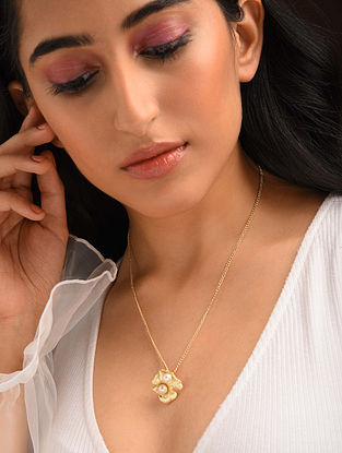 White Pearl Gold Tone Enameled Pendant With Chain