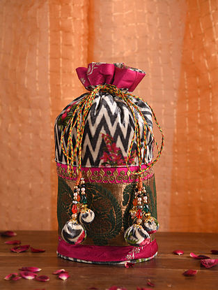 Magenta Handcrafted Velvet Potli