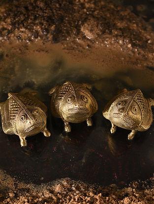 Handmade Brass Frogs (Set of 3) (L - 2.6in, W - 1.7in, H - 1.5in)