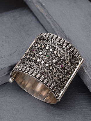 Tribal Silver Bangle (Size: 2/5)