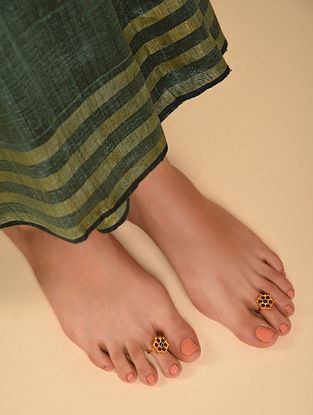 Red Green Gold Tone Temple Work Toe Rings
