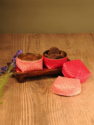 Palm Leaf Red Combination Coffee Table Serving set with Wooden Tray (Set of 3)
