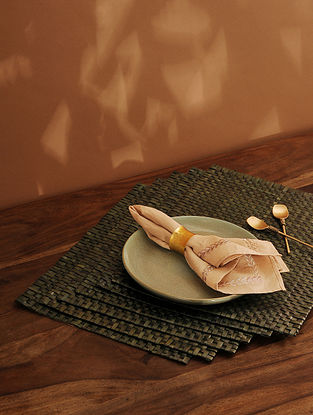 Palm Leaf Handcrafted Swamp Green Place mat Set of 6 (L-17.5in, W-12in)