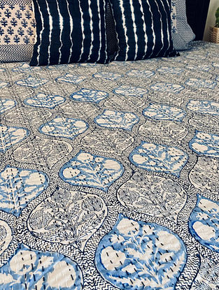 Blue and White Hand Block Printed And Hand Quilted Kantha Double Bed Cover (L - 106in, W - 90in)