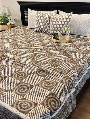 Brown and Beige Hand Block Printed And Hand Quilted Kantha Double Bed Cover (L - 104in, W - 88in)