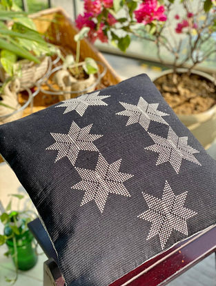 Black and Grey Hand Woven Naga Cushion Cover (L - 15.5in, W - 15.5in)