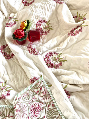 Off White Hand Block Printed And Hand Quilted Reversible Double Bed Quilt (L - 106in, W - 88in)