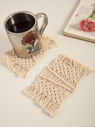 Ivory Cotton Classic Fringe Hand-Knotted Coaster (L-4in, W-3in)