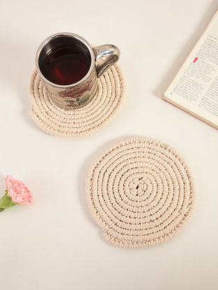 Ivory White Cotton Classic Hand-Knotted Trivets (Dia-6in) (Set of 2)