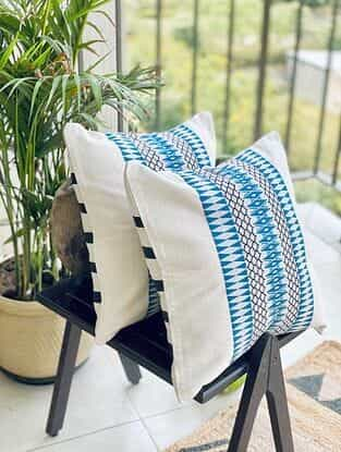 White and Blue Hand Woven Naga Cushion Cover (L - 15.5in, W - 15.5in)