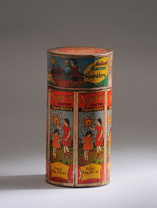 Vintage Handmade Wooden Sparkler Box (Dia - 3in, H - 6in)