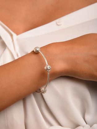 Classic Silver Bangle (Size: 2/6 )