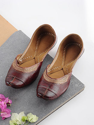 Brown Handcrafted Leather Juttis with Tilla Embroidery