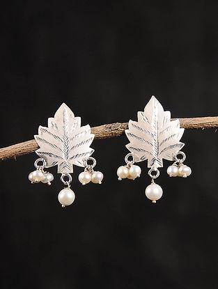 Chinaar Patta Silver Earrings with Pearls