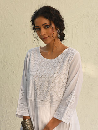 AADRITA - White Chikankari Embroidered Cotton Kurta with Mukaish