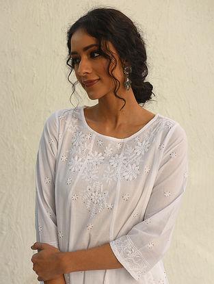 AANANDINI - White Chikankari Embroidered Cotton Kurta with Mukaish