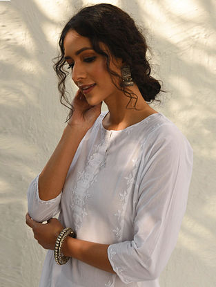 ANAAN - White Cotton Kurta with Hand Phool-Patti Applique Work