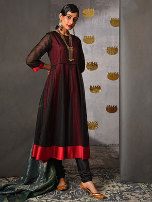 TAPI - Black Handloom Maheshwari Kalidar Kurta with Contrast Border and Slip