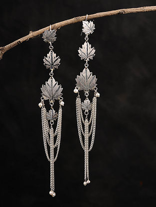 Chinaar Patta Silver Earrings