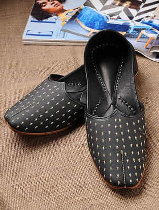 Black Handcrafted Genuine Leather Juttis For Men