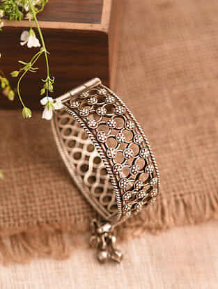 Vintage Afghan Silver Openable Bangle (Size: 2/3)