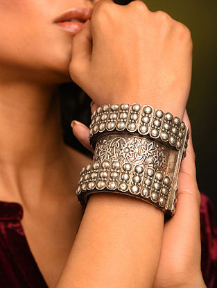 Vintage Afghan Silver  Openable Bangle (Size: 2/2)
