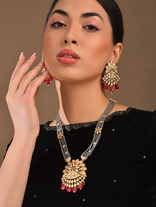 Grey Red Gold Tone Kundan Necklace With Earrings