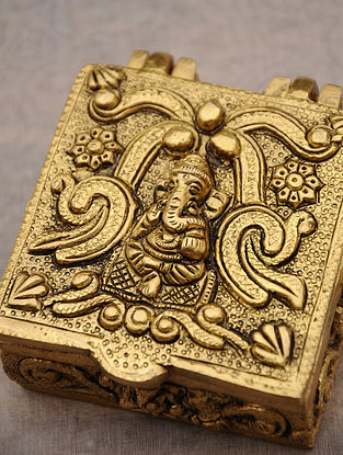 Brass Handcrafted Ganesha Carved Box (L - 3.5in, W - 3.3in, H - 1.5in)