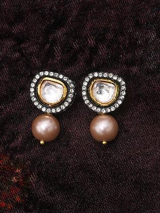 Dual Tone Kundan Earrings With Pearls