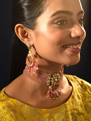 Peach Gold Tone Kundan Beaded Necklace With Earrings
