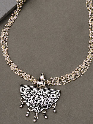 White Silver Tone Tribal Pearl Beaded Necklace