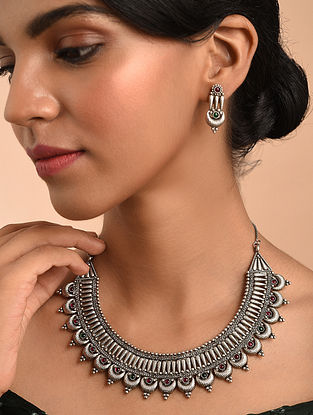 Red Green Silver Tone Tribal Necklace With Earrings