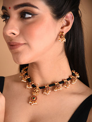 Black White Gold Tone Temple Necklace And Earrings With Pearls