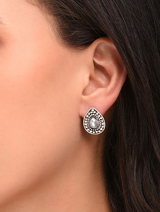 White Silver Earrings with Pearl