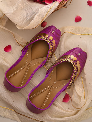 Pink Handcrafted Leather Juttis
