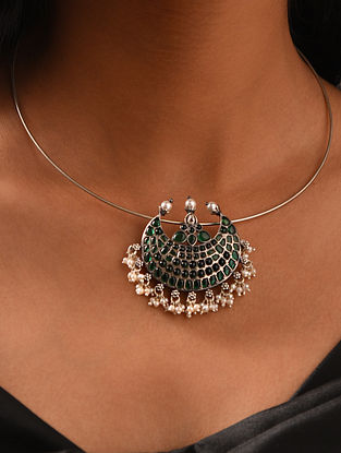 Green Kempstone Encrusted  Silver Pendant with Pearls